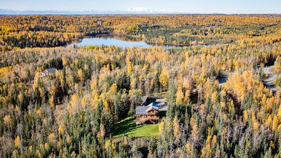 Very private but only 15 minute drive to Soldotna for shopping an restaurants.