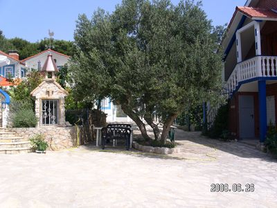 Photo for Apartment in Dobropoljana only 5 minutes to the beach, family friendly