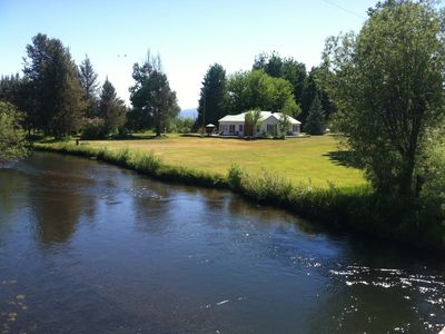 Photo for The Riverhouse 4 miles from Crater Lake Park south entrance
