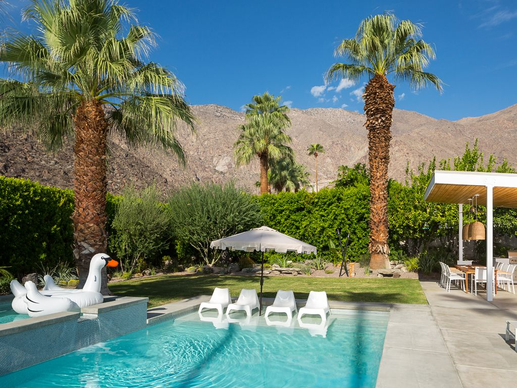 Your Mid Century Oasis In Palm Springs Awaits Executive - A mid century desert oasis in palm springs