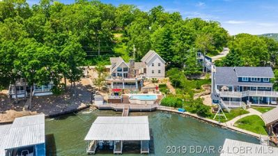 Photo for LAKEFRONT, Private dock, Osage Beach, Near Margarittaville. Private POOL!