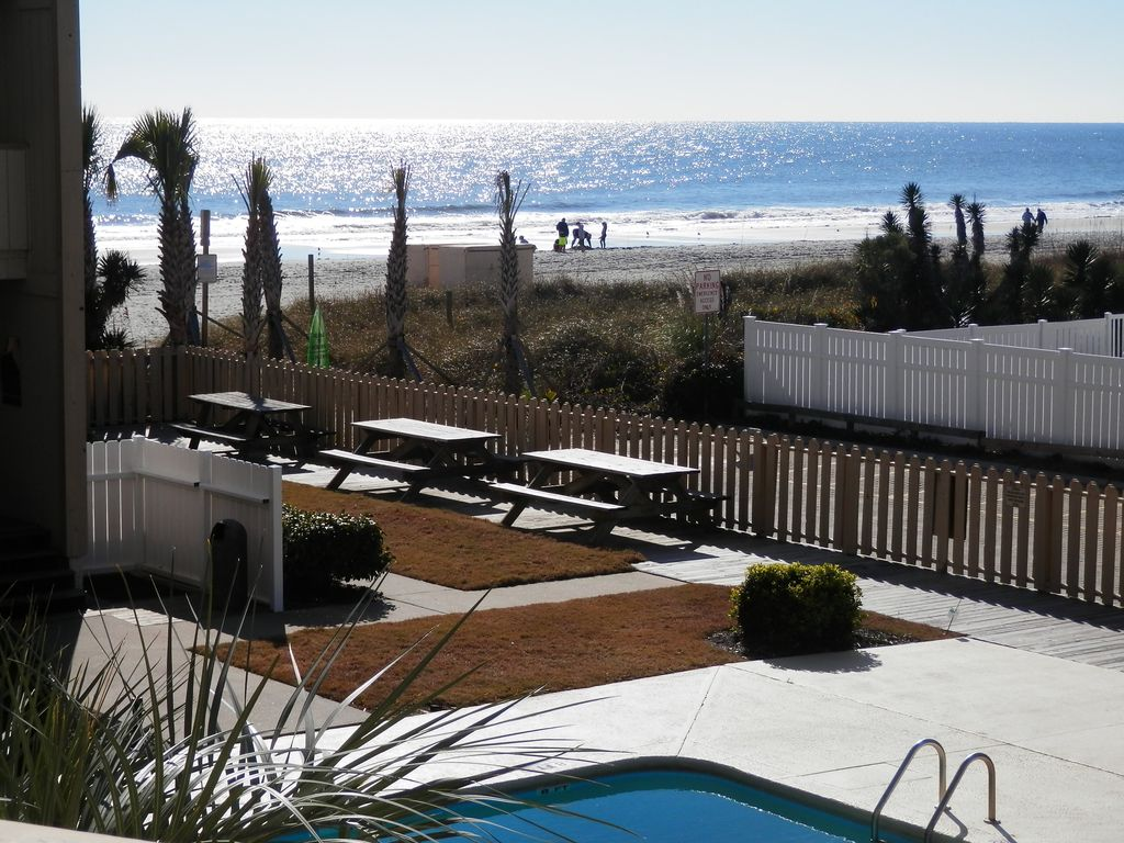 Oceanfront building #C205, perfect view Beach & Pool, 2br, 2br, covered  balcony