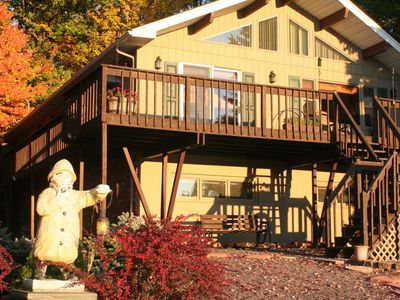 Spacious 5bed/3ba Lakefront Retreat  w Private Beach