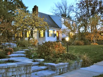 Great PSU football weekend house! Comfortable & close to everything!