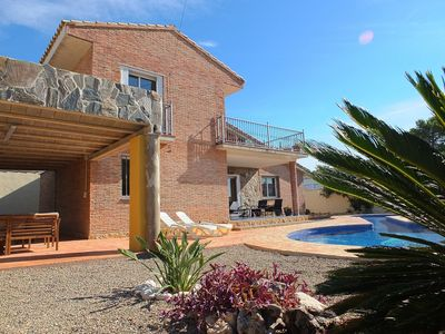 Photo for Fabulous villa with stunning swimming pool, close to restaurant & shop FREE WIFI