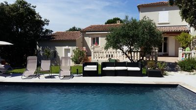 Photo for Quiet hillside villa with spa and pool in Provence