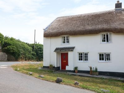 Photo for Cleave Cottage, BIGBURY-ON-SEA