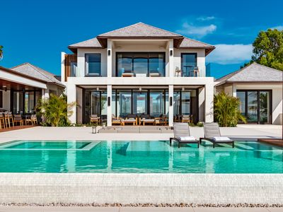 Modern beach house located on the exclusive Prince of Wales Drive