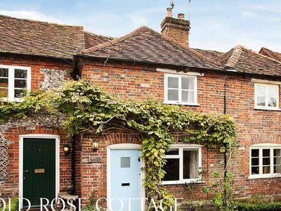 Photo for Lovely 4* cottage in quiet rural location yet close to Henley-on-Thames & Marlow