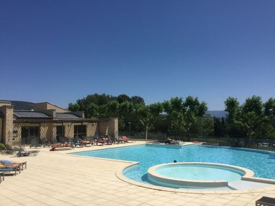 Photo for Apartment Provence country club golf l'isle on sorgue / saumane lubero
