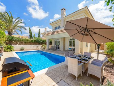Photo for 3 bedroom villa with private swimming pool