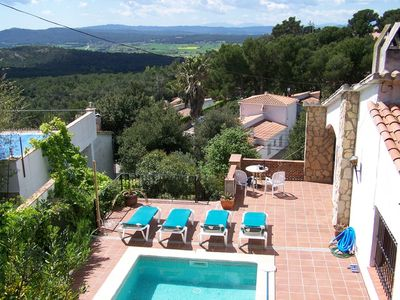 Photo for Beautiful Hilltop Villa with Pool & Jacuzzi and breathtaking mountain views