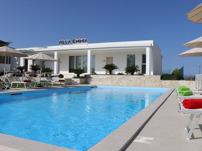 Photo for Villa Emma, private pool, 6 bedrooms, near the sea, for 16 people