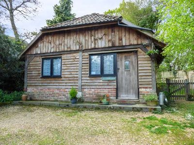 Photo for ENDYMION, pet friendly, country holiday cottage in Linwood, Ref 3575