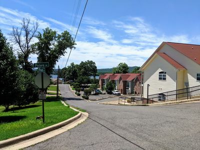 Photo for Fantastic Townhouse: Lake Hamilton and Oaklawn Gaming