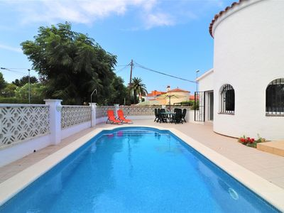 Photo for A lovely villa with 3 bedrooms, pool, clime, fenced, near the center