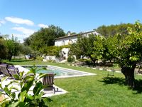 Beautiful house in fantastic setting near to Uzes