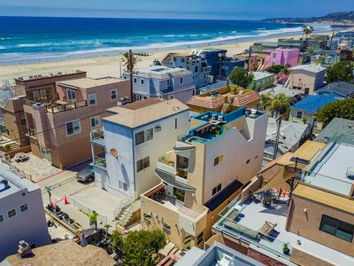 Mission Beach House w/ Roof-Top Deck, Air Conditioning and Garage,  Sleeps 11