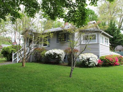 Photo for 2BR Cottage Vacation Rental in Hendersonville, North Carolina