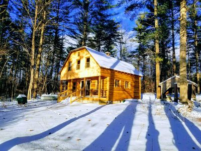 5 STAR Magical Waterfront Cabin on Papoose Pond! 25 Minutes to Sunday River.