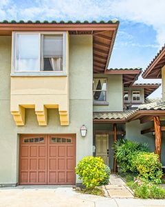 Hale O' Honu'ea is a 2 story townhouse with single car garage and private entry.