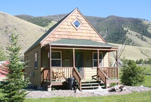 Photo for 2BR Cottage Vacation Rental in Salmon, Idaho