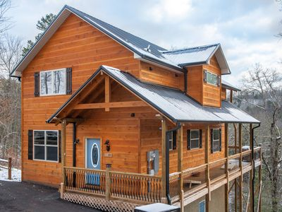 Photo for Amazing mountain view cabin w/ private hot tub & game room- dogs OK!