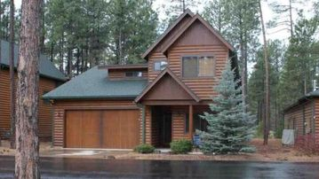 Stunning Cabin in Gated Pinetop Crossings - a Perfect Get-away!