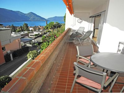 Photo for Beautiful 3-room apartment (90m2) for 4 people in Ascona with lake view in higher