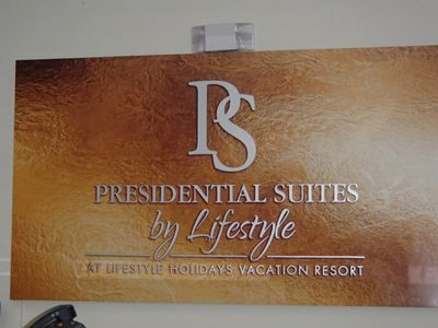 Photo for Presidential Suite Studio with VIP GOLD All-Inclusive Gold Bracelet