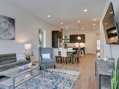 Photo for 10 BEDS | 4 KING SUITES | 6 MIN to BROADWAY!