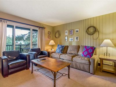 Photo for Enjoy Bend from this first floor condo with a gas fireplace and access to a fitness center.