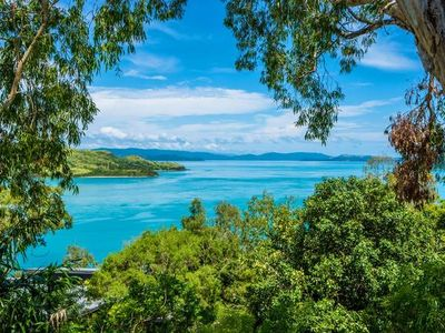 Photo for COMPASS PT 5 - HAMILTON ISLAND - GREAT BARRIER REEF - WHITSUNDAYS - WHITEHAVEN
