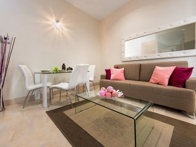 Photo for Modern & quiet 1 Bb Apart one step away from Campana Square. Sierpes