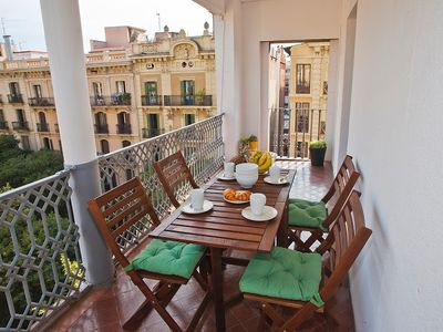 Photo for Apartment in the center of Barcelona with Internet, Air conditioning, Lift, Balcony (443076)