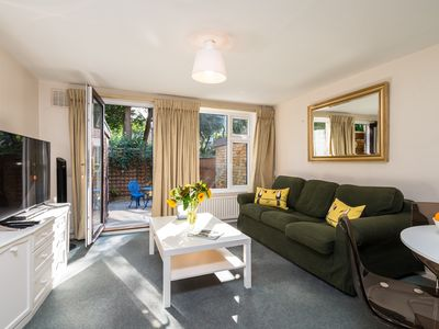 Photo for LONDON PUTNEY SUPER HOUSE, PARKING, 2 X KING BEDS + ENSUITE - GREAT PLACE TO STA