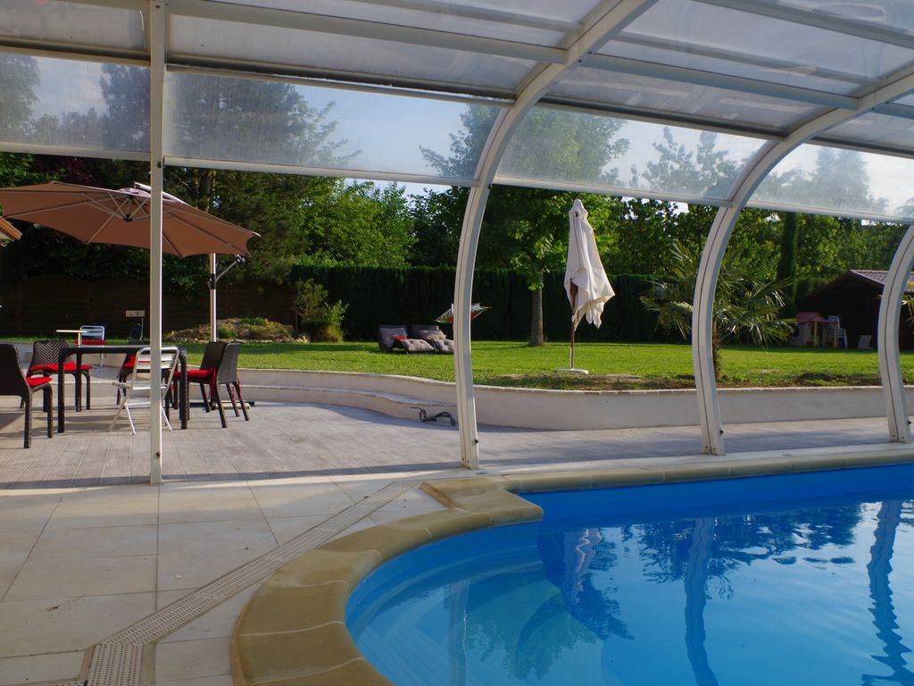 Vallee de chevreuse location villa avec piscine 35 kms de for Location piscine privee paris