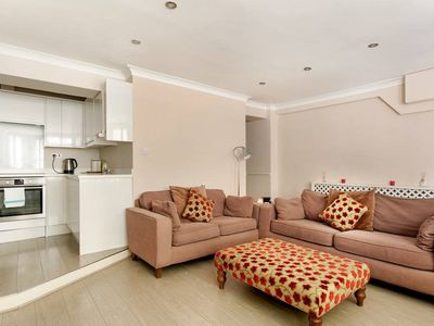 Photo for Sophisticated 2 Bed apt w/Patio in Little Venice
