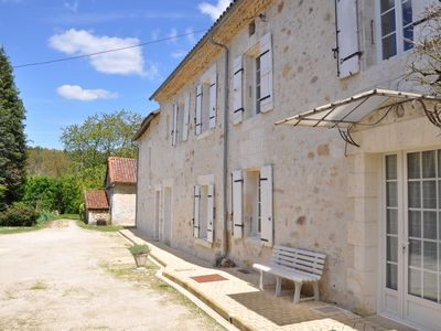 Photo for 5 minutes from Brantôme, large farmhouse renovated '4 stars', park of 2000 m²