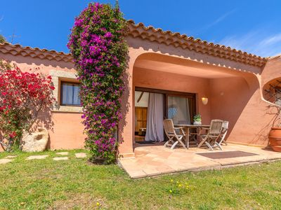 Photo for Holiday House Close to the Beach with Garden & Terrace; Parking Available