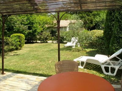 Photo for Cosy apartment for 2 people with WIFI, pool, pets allowed and parking