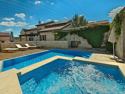 Photo for Beautiful holiday home with pool and hydromassage in Vižinada