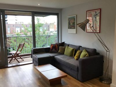 Photo for Charming 2 bed w/balcony at heart of East London