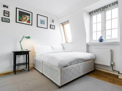 Photo for Duplex in Chelsea 8 Min from Victoria