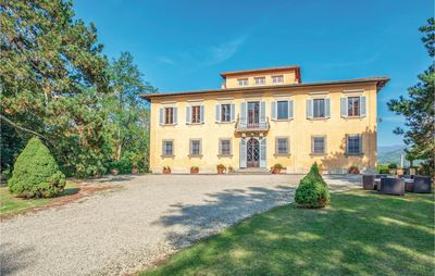Photo for 7 bedroom accommodation in Vicchio FI