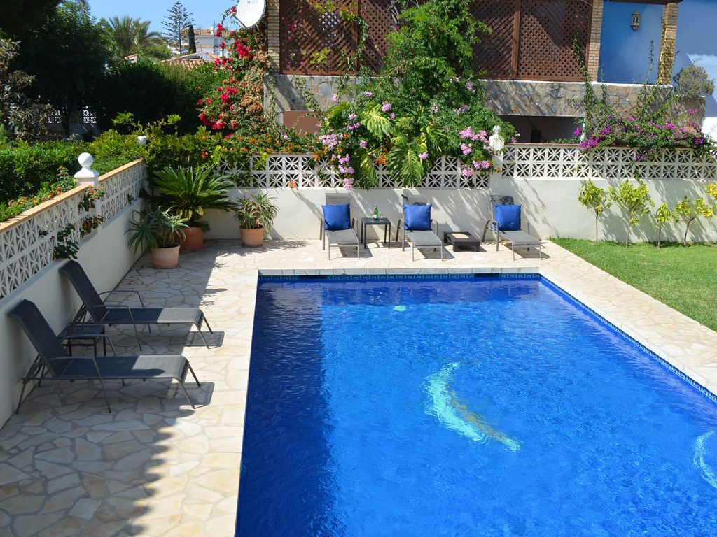 Villa priv e la beach house marbesa grande piscine et for Alarme piscine home beach
