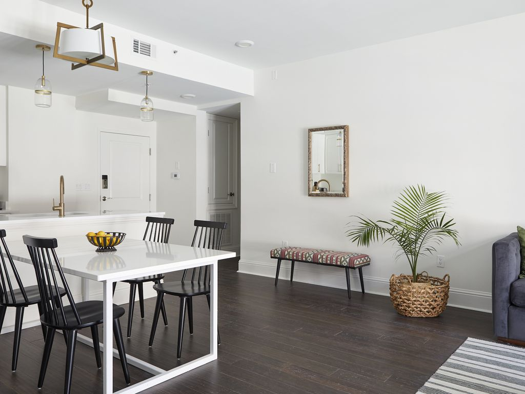Cheerful 1BR on St. Charles by Sonder