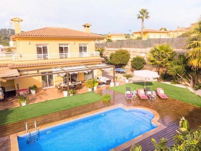 Photo for Fantastic 4 bedroom villa with private pool