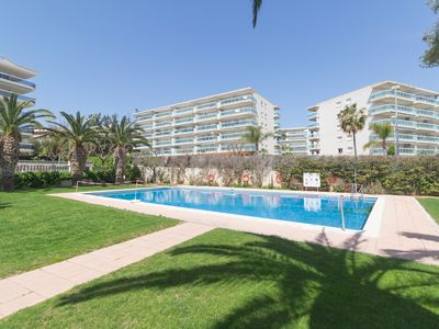 Photo for Beautiful ground floor with communal pool at 750 mts. From the beach of Salou.