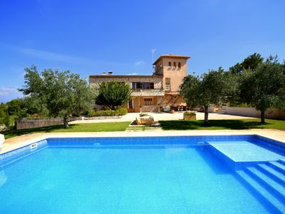 Photo for Large property with pool just minutes from the beach of Cala Romantica